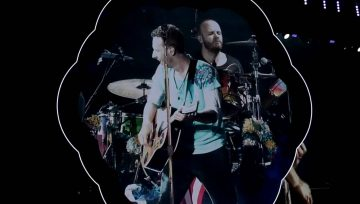 Coldplay tocam com o actor Michael J. Fox